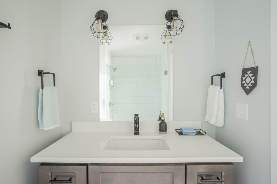 airbnb-minimalism-bathroom