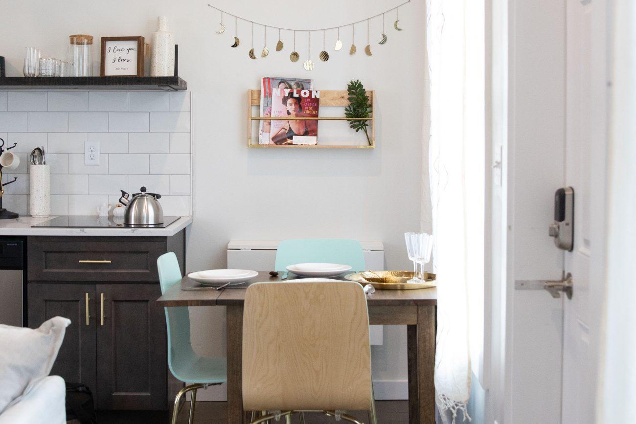 airbnb-funky-fresh-kitchen