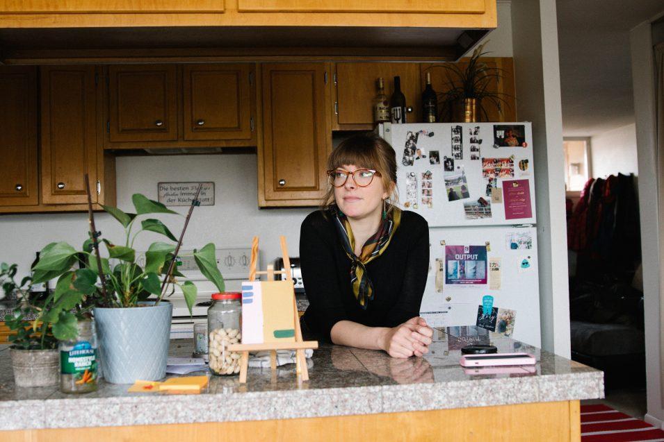 elaine-in-kitchen