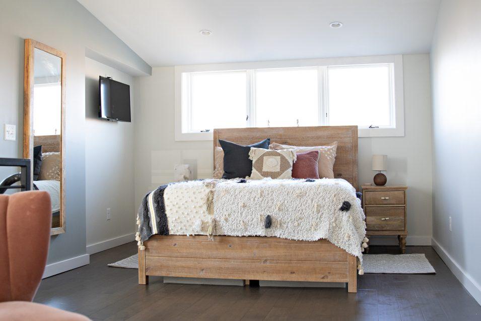 airbnb-boho-loft-bedroom