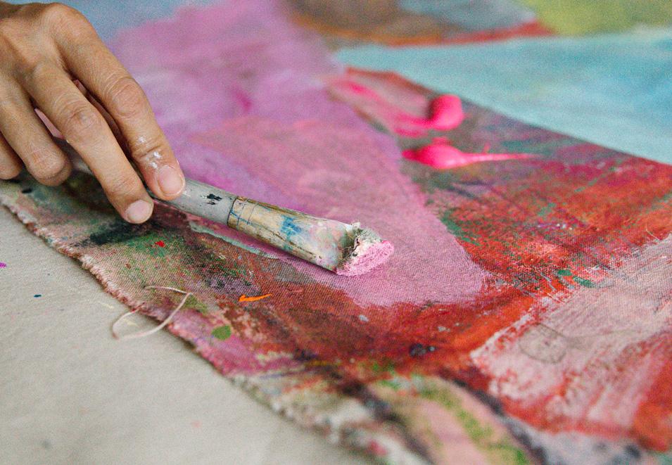 benz-amataya-closeup-paint